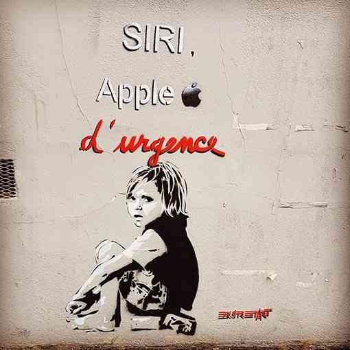"""Siri Apple d'urgence"""